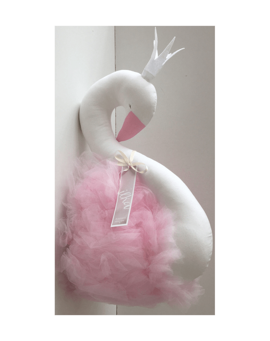 Design Wall Bust White Swan Pink Tyl